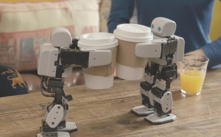 【PLEN2(プレンツー)のご紹介】世界初のプリンタブル・オープンソースロボット