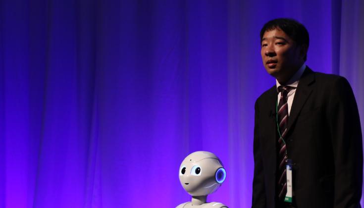 ロボットで人を笑顔に出来るのは私達だけである