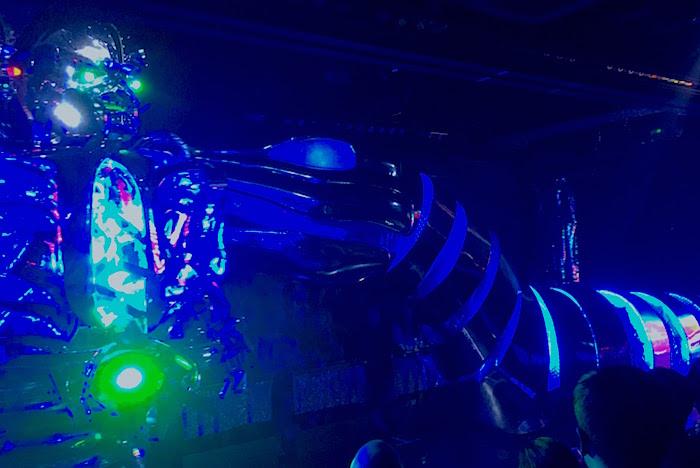 blue robot2