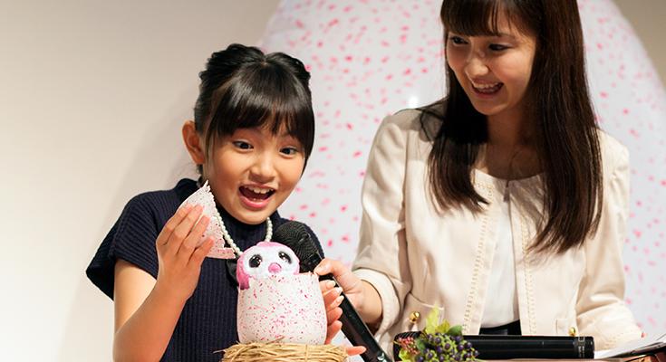 タカラトミーの新感覚ペット型ロボット玩具「うまれて!ウーモ」発売!! タマゴが孵化する感動と成長する喜びを体験