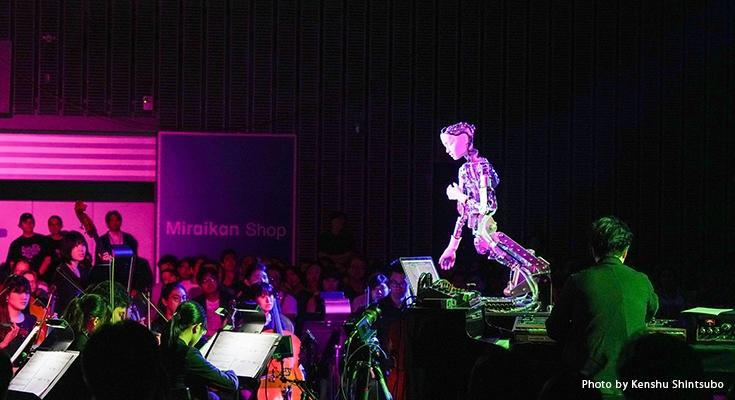 日本初演】アンドロイドが30名のオーケストラを指揮してオペラを歌う ...