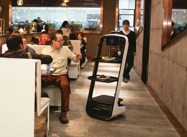 中国の最新ロボットレストラン、オープン51日目で来店者3万5千人を突破! 調理から配膳までを自動化 | ロボスタ