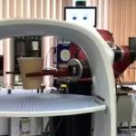 赤い協働ロボット「Sawyer」について住友重機械とQBITが共同ウェビナー 国内販売累計は200台