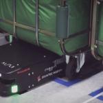 日本ホテル「メズム東京」に最新型リネン搬送ロボット「AISLE」導入 定時に使用済みリネンが入った各階の台車を自動で交換