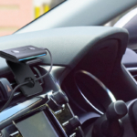 クルマでもアレクサ!Echoシリーズ初の車載デバイス「Echo Auto」がついに日本で発売  3,500以上のAlexaスキルに対応