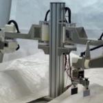 川田テクノロジーズ、中小企業向けの小型軽量双腕ロボットを試作 目標は作業性とコストの両立