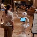 ロボット「Pepper」がマスク着用をチェック 横浜高島屋のバレンタイン催事場の入口で注意喚起